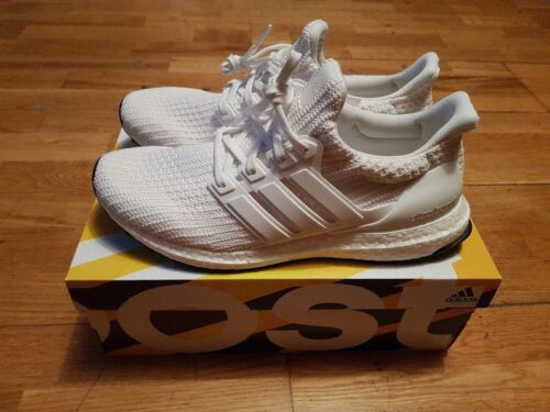 Adidas ultra boost 4.0 Triple White, US 9.5, Brand New, DS