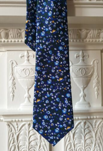 GIANNI FERAUD Navy Blue Ditsy Floral Print Hand Finish Pure Silk Tie