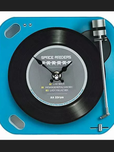 Retro space raiders record player novelty clock large and small present gift