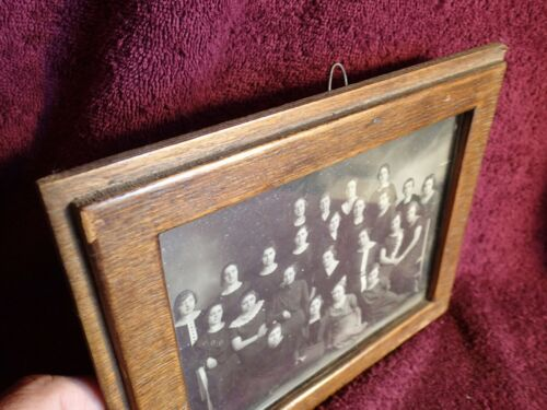 early 1900  ANTIQUE  HANDMADE PICTURE FRAME with OLD  PHOTO EUROPE