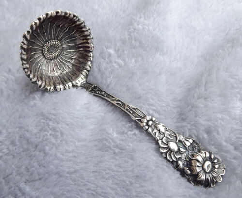 """Daisy by Paye and Baker 4 1/4"""" long Sterling sauce ladle no mono Very Nice"""