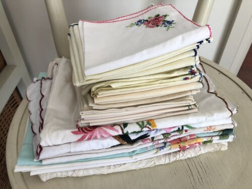 Vintage Lot Of Embroidered Linen Napkins, Serviettes, Pillow Cases & Hand Towels