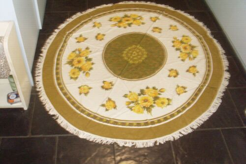 VINTAGE TYPICAL RETRO 60s KITSCH ROUND TABLECLOTH -YELLOW ROSES -SHABBY CHIC