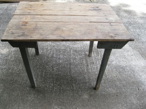 COUNTRY PRIMITIVE FARMHOUSE TABLE
