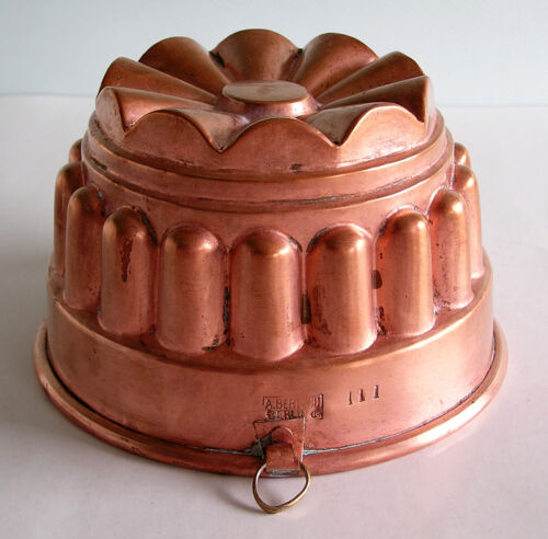 Antique / Vintage A. BERTOCH BERLIN 4 Cup Crown Copper Mold for Pudding, Aspic