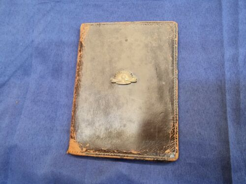 WW2 LEATHER WALLET SIGNAL MIRROR AND COMB RISING SUN BADGE