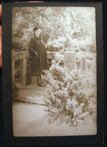 CIRCA 1930 PREGNANT WOMAN OR POSSIBLY A FULL TAILORED COAT PHOTO