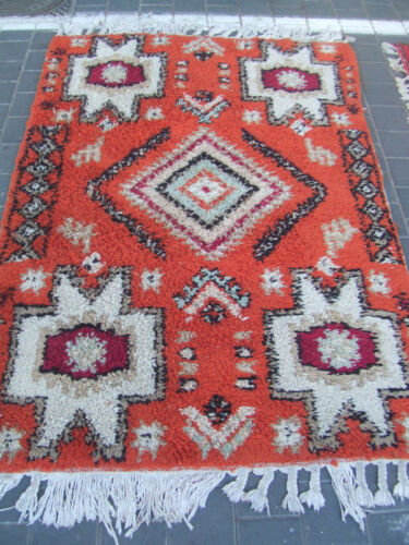 VINTAGE ANTIQUE MOROCCAN WOOL RUG  180x123-cm / 70.8x48.4-inches