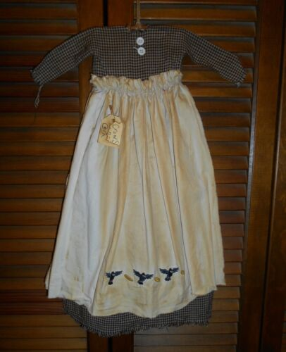 Primitive Wall Decor Dress BLACK CHECK W/ APRON Crows & Corn, AUTUMN HALLOWEEN