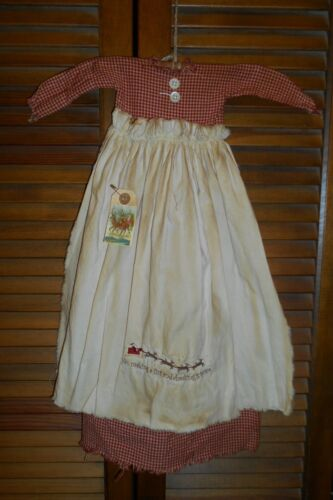 Primitive Wall Decor Dress RED CHECK W/ APRON Santa Making List,Christmas,Grungy