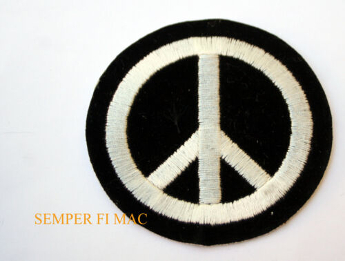 VINTAGE BLACK AND WHITE PEACE SIGN HAT PATCH ANTI WAR PROTEST AMERICAN CHICKENOther Militaria (Date Unknown) - 66534