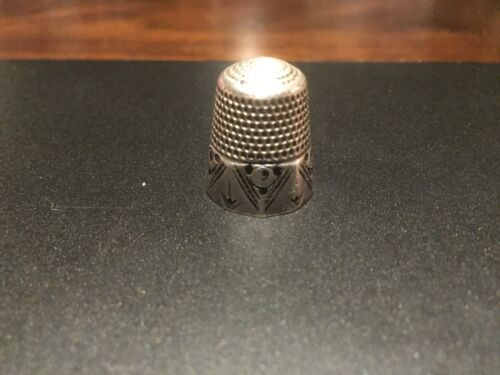 """ANTIQUE RARE ORNATE ANCHOR STERLING """"WIDE GEORG.,"""" THIMBLE- SIZE 10"""