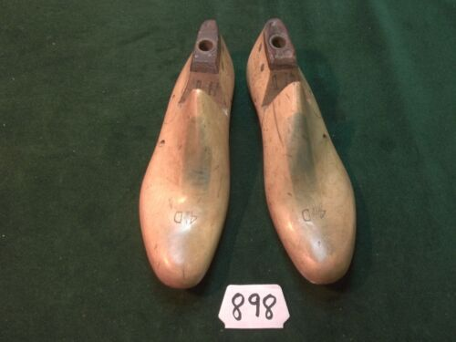 Vintage Pair US NAVY Shoe Factory Lasts Size 4-1/2 D D&W Inc Brooklyn,NY  #898