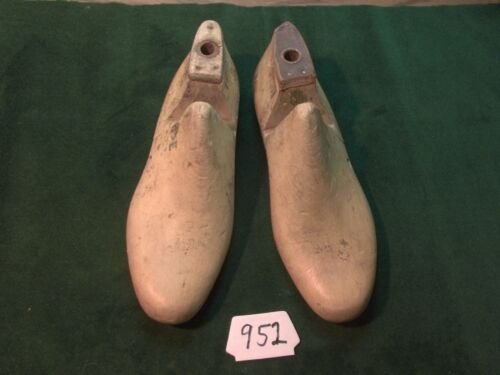 VINTAGE 1957 PAIR 8-1/2 E VULCAN #75 Industrial Shoe Factory Lasts #952