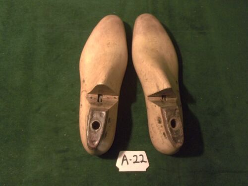 Vintage 1938 Pair US NAVY Shoe Lasts  Size 9 E - D & W Factory Mold #A-22