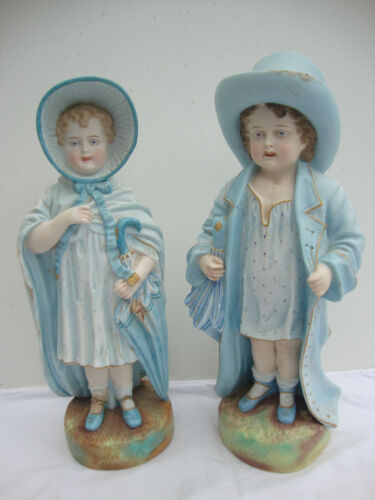 GORGEOUS RUDOLSTADT PORCELAIN FIGURINES  PAPA AND MAMA