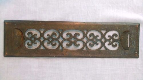 VINTAGE ANTIQUE DISTRESSED SCROLL BRASS FLOOR WALL VENT HEATING COVER GRATE