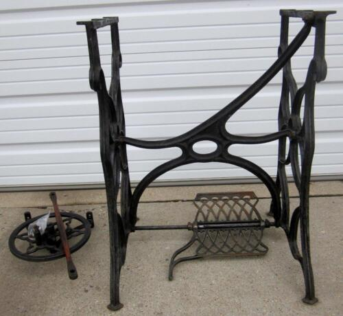 VINTAGE MID 1800'S  SINGER TREADLE SEWING MACHINE CABINET CAST IRON FRAME