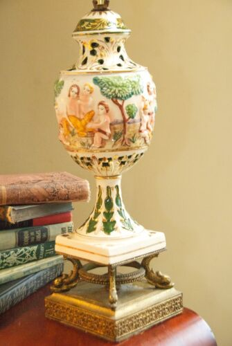 CAPODIMONTE TABLE LAMP MID CENTURY ITALY CHERUBS PORCELAIN BRASS DOLPHIN FOOTED
