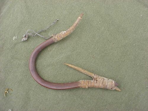 ANTIQUE LARGE HAND MADE FISHING HOOK FROM ESTATE - NATIVE AMERICAN ? ESKIMO ????