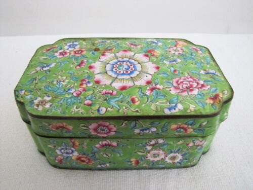 Antique Chinese 19th Century Green Enamel Bronze Cloisonné Box