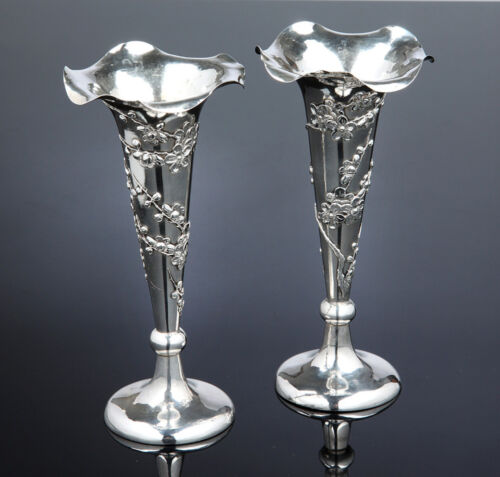 658 GR PAIR OF CHINESE EXPORT SILVER TRUMPET VASE FLOWER SIGN