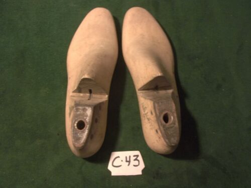 Vintage 1942 Pair Size 8-1/2 E US NAVY M & T LYNN Shoe Industrial Lasts  #C-43