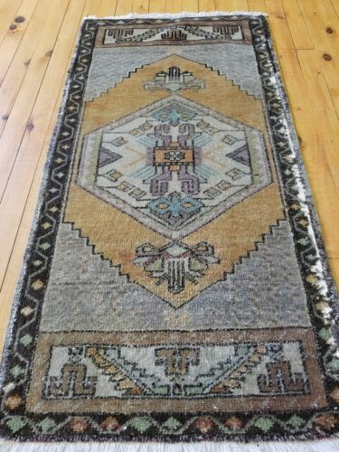 "Beautiful 1950-1960s Vintage 1'10""×3'7"" Natural Dye, Wool Pile  Oushak Area Rug"