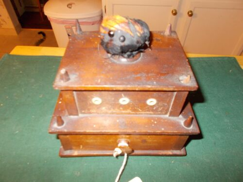 1800S SHAKER MADE SEWING BOX WITH THREAD HOLDERS, DRAWER AND PINCUSHION