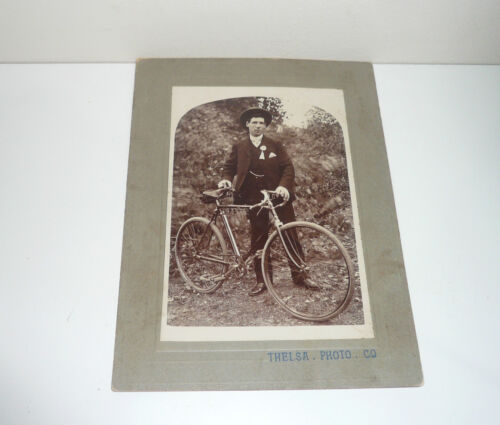 EARLY 1900s PHOTOGRAPH OF A GENTLEMEN CYCLIST