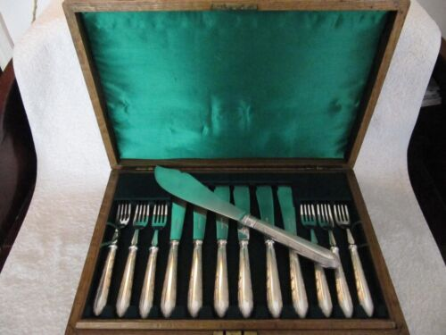english silverplate set of 12 fish cutlery set pearls & leave Mappin & Webb