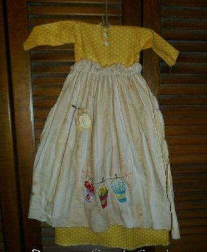 Primitive Wall Decor Dress YELLOW W/ APRON BUCKETS OF FLOWERS, Grungy,Cupboard