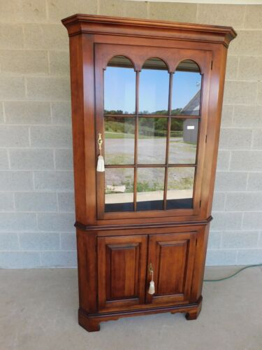 Statton Old Towne Chippendale Style Cherry Corner Cabinet