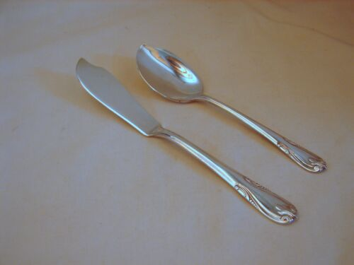 2 Old Wallace Silver Sonata Ptn. Srvng Pcs, Jelly spoon, Butter Knife, Excnt Cnd