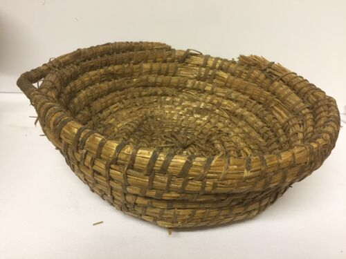 Early Primitive Rye Straw Basket with Woven Hanger ~ PR521