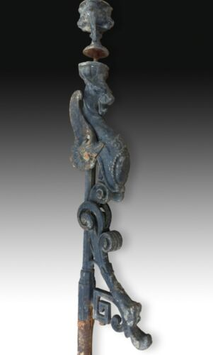 Iron baluster with grotesque. 19th century.
