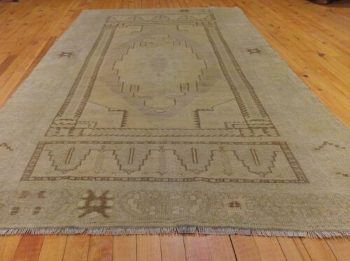 Exquisite Antique 1940's Muted Ivory Natural Dye Wool Pile Oushak Area Rug 4x7ft