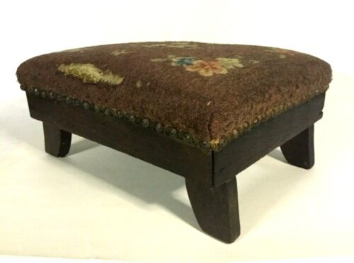 """Antique Ca. 1900 Walnut Wooden Footstool w/ Needlepoint Cover - 15 1/4"""" Long"""