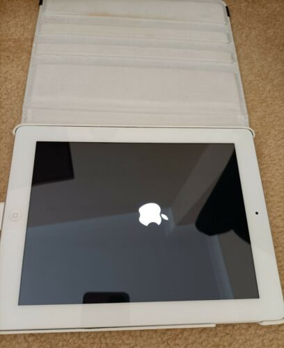 Apple iPad 3rd Gen. A1416 16GB White Tablet in Excellent Condition+ cover case