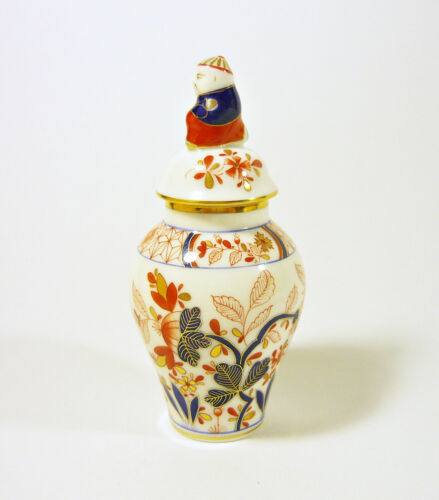 """HEREND MASTERPIECE, ARTIST SIGNED """"CANTON"""", HANDPAINTED PORCELAIN URN! (A015)"""