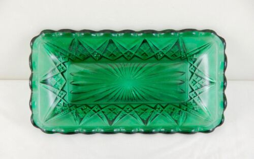 ONE-OF-A-KIND!! Emerald Green  ** DIAMOND SPEARHEAD **   NO OPALESCENCE RELISH!!