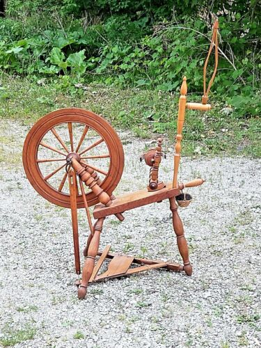 Antique Wood Spinning wheel Authentic Colonial