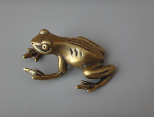 Chineae Collection old Asian Old Brass Handwork carving frog Statue Pendant