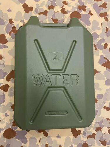 AUSTRALIAN ARMY WATER JERRY CAN  PERENTIE UNIMOG  4WD  HUNTING CAMPING CARAVAN
