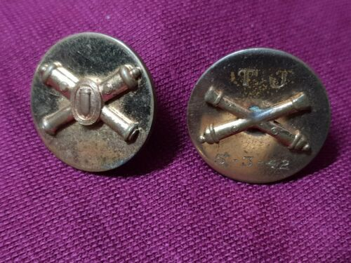WW2 US ARMY COLLAR BADGE PAIR DATED 42 WITH INITIALS