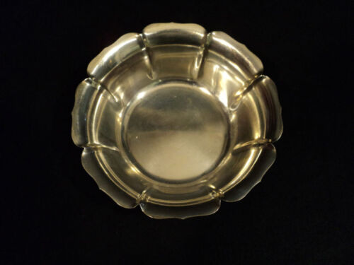 "LOVELY ANTIQUE MID-CENTURY STERLING SILVER 5"" BOWL, 110 GRAMS"