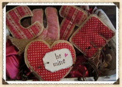Valentine Primitive Decor Heart  C U T E Letters Pink Red set of 5 Prim Be Mine