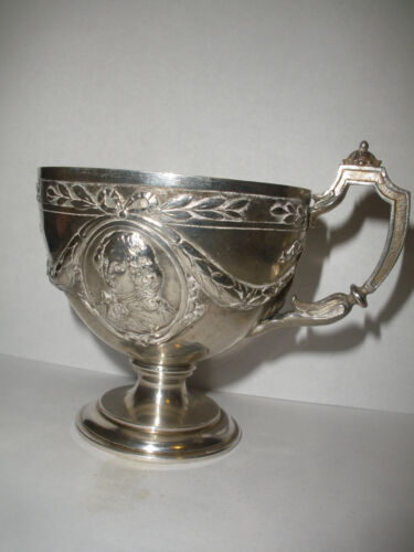 ANTIQUE CONTINENTAL STERLING SILVER CUP WITH MILITARY PORTRAITS CAMEO HALLMARKS
