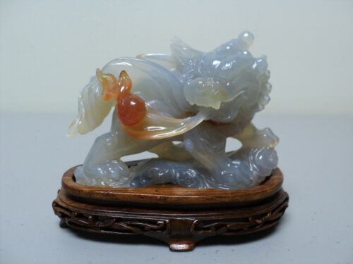 ELABORATE 19TH C. CHINESE HAND CARVED NATURAL AGATE DRAGON w/ FLAMING PEARL
