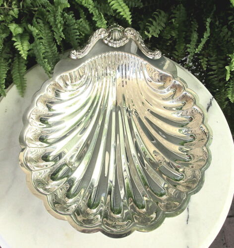 """LOVELY VTG. 10 1/4""""  SILVERPLATE CLAM SHELL BOWL BY ENGLISH SILVER MFG."""
